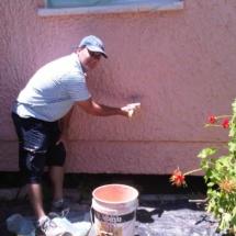 אומנות הגבס והצבע - חידוש קיר חיצוני