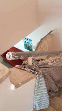 צביעת חדר מדרגות - חידוש מעקה - הכנה לצבע