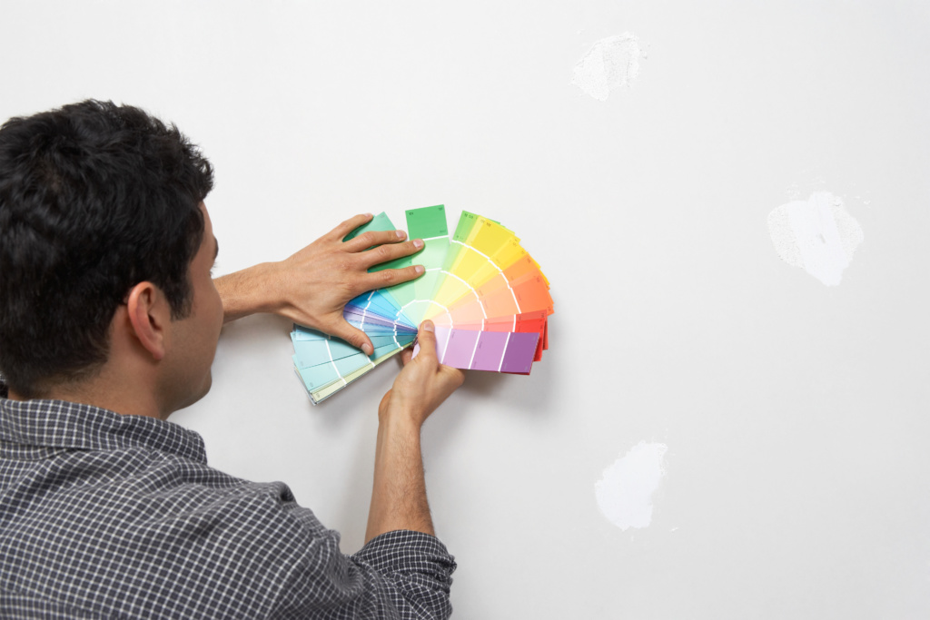 צביעת דירה 5 חדרים - בחירת צבע לקירות