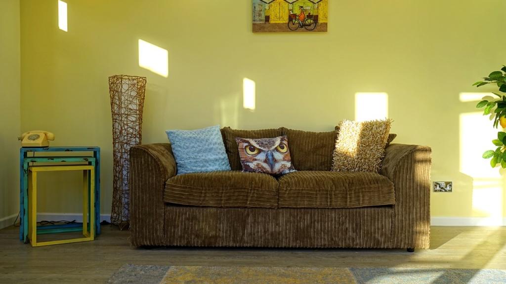 בחירת צבע לסלון - אומנות הצבע והגבס